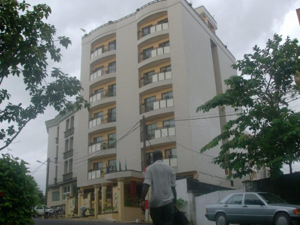 Immeuble R+3 SCI Kross MTF Bonapriso-Douala